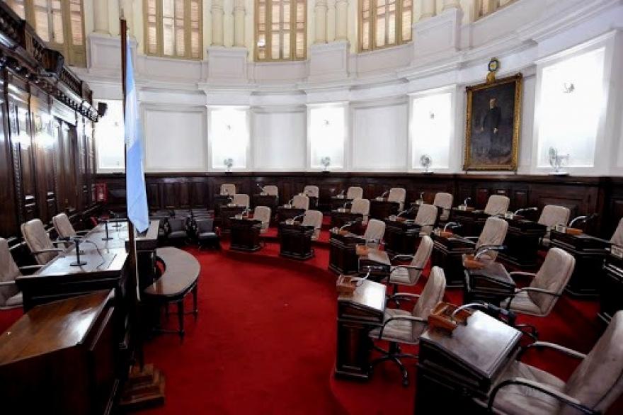 Se suspendió la sesión en el Concejo Deliberante de La Plata por un caso de  Coronavirus - Cronos Noticias